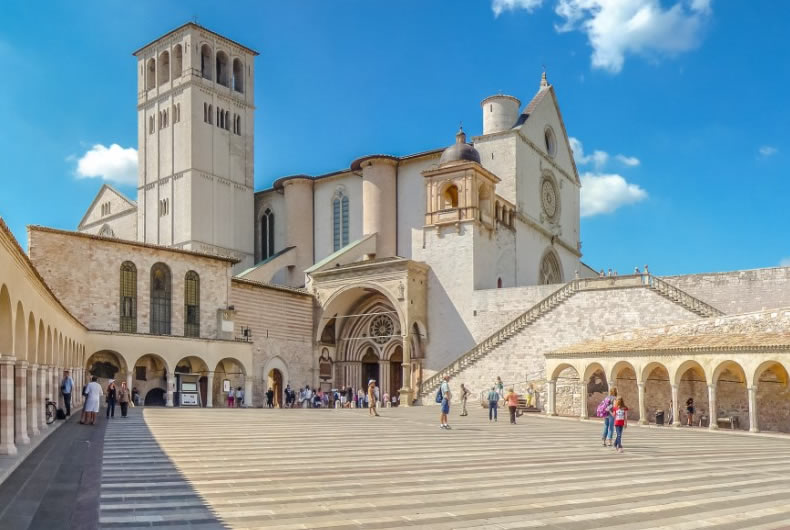 Assisi Tour And Attractions With A Private Air-conditioned Car